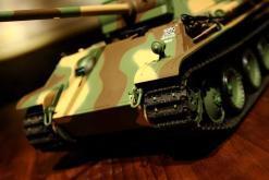 Ferngesteuerter Panzer mit Schuss Panther G Heng Long 1-16 mit Rauch&Sound und Stahlgetriebe - 2,4Ghz -V 6.0 -13