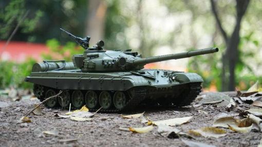 Ferngesteuerter Panzer mit Schuss Russicher T-72 Heng Long 116, Stahlgetriebe -2,4Ghz -V 6.0 -5
