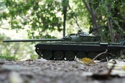 Ferngesteuerter Panzer mit Schuss Russicher T-72 Heng Long 116, Stahlgetriebe -2,4Ghz -V 6.0 -8