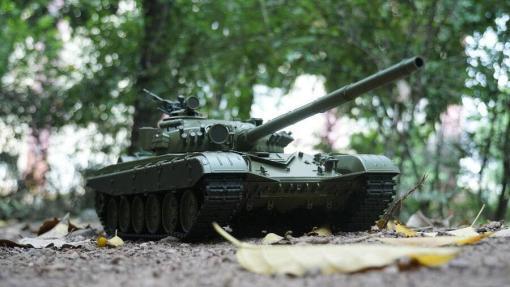 Ferngesteuerter Panzer mit Schuss Russicher T-72 Heng Long 116, Stahlgetriebe -2,4Ghz -V 6.0 -9