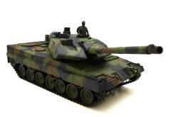 Ferngesteuerter Panzer mit Schuss