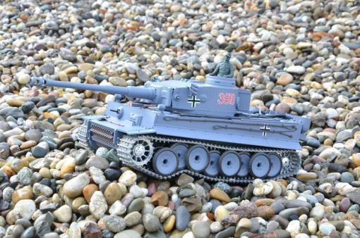 deutscher tiger 1 ferngesteuerter panzer mit schuss rauch und sound mit metallgetriebe und metallkette - pro -13