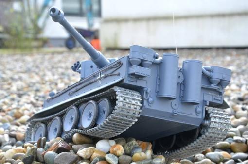 deutscher tiger 1 ferngesteuerter panzer mit schuss rauch und sound mit metallgetriebe und metallkette - pro -18