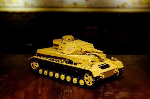 """Ferngesteuerter Panzer """"Kampfwagen IV Ausf.F-1"""" Heng Long 1:16 Sandfarbe mit Rauch,Sound und Schuss, Metallgetriebe -2,4Ghz-17"""