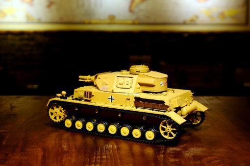 """Ferngesteuerter Panzer """"Kampfwagen IV Ausf.F-1"""" Heng Long 1:16 Sandfarbe mit Rauch,Sound und Schuss, Metallgetriebe -2,4Ghz-2"""
