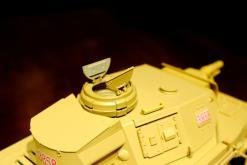 """Ferngesteuerter Panzer """"Kampfwagen IV Ausf.F-1"""" Heng Long 1:16 Sandfarbe mit Rauch,Sound und Schuss, Metallgetriebe -2,4Ghz-12"""