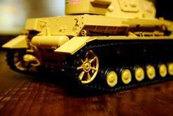 """Ferngesteuerter Panzer """"Kampfwagen IV Ausf.F-1"""" Heng Long 1:16 Sandfarbe mit Rauch,Sound und Schuss, Metallgetriebe -2,4Ghz-14"""