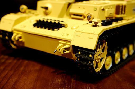 """Ferngesteuerter Panzer """"Kampfwagen IV Ausf.F-1"""" Heng Long 1:16 Sandfarbe mit Rauch,Sound und Schuss, Metallgetriebe -2,4Ghz-15"""