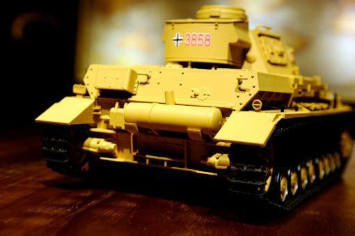 """Ferngesteuerter Panzer """"Kampfwagen IV Ausf.F-1"""" Heng Long 1:16 Sandfarbe mit Rauch,Sound und Schuss, Metallgetriebe -2,4Ghz-7"""