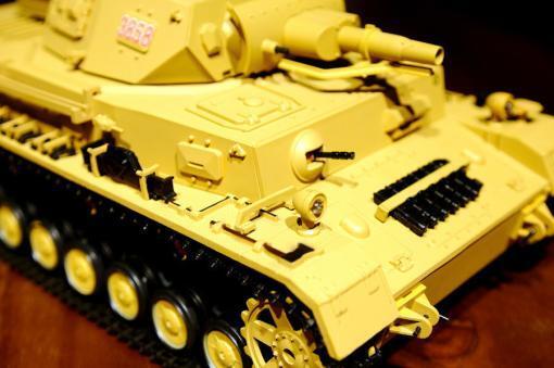 """Ferngesteuerter Panzer """"Kampfwagen IV Ausf.F-1"""" Heng Long 1:16 Sandfarbe mit Rauch,Sound und Schuss, Metallgetriebe -2,4Ghz-6"""